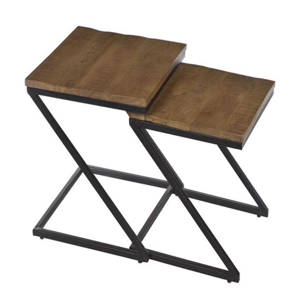 Set van twee houten bijzettafels